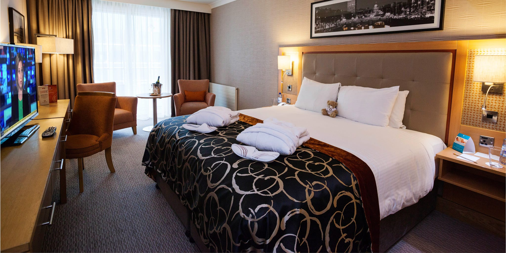 Executive-Room-Cardiff-Lane