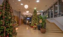 Christmas-Lobby-Atrium-Cardiff-Lane