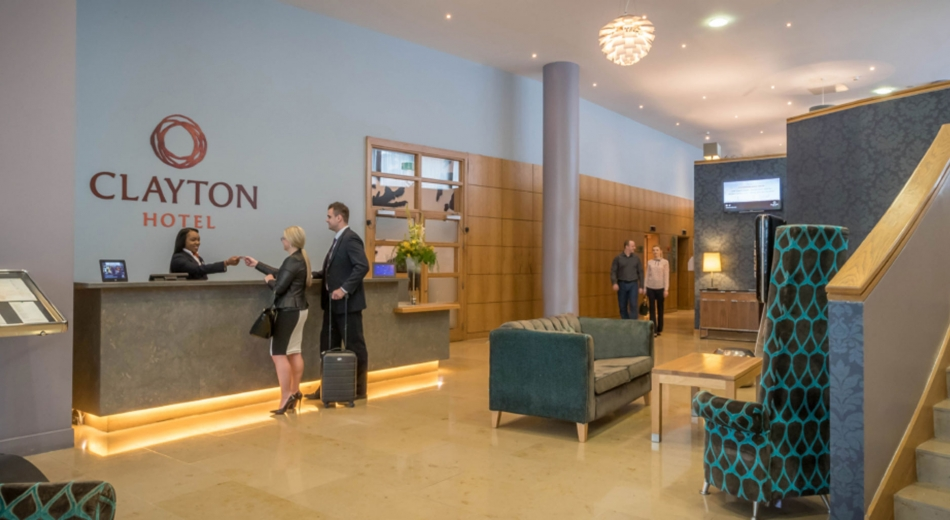 Hotel-reception-at-the-Clayton-Hotel-Cardiff-Lane